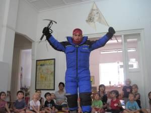 Speaking to the Tambalog School Children in Singapore 2010