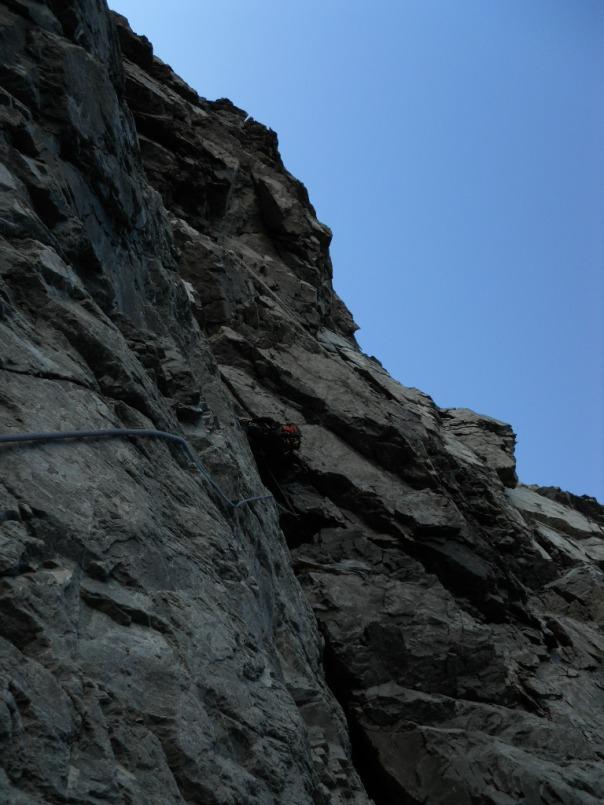 The climbing steepens. Photo Alan Silva.