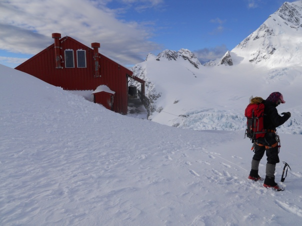 Getting ready to leave Plateau Hut in the morning. (Photo: Alan Silva)