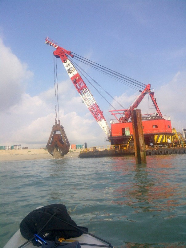 This huge dredger was working at the end of Changi finger