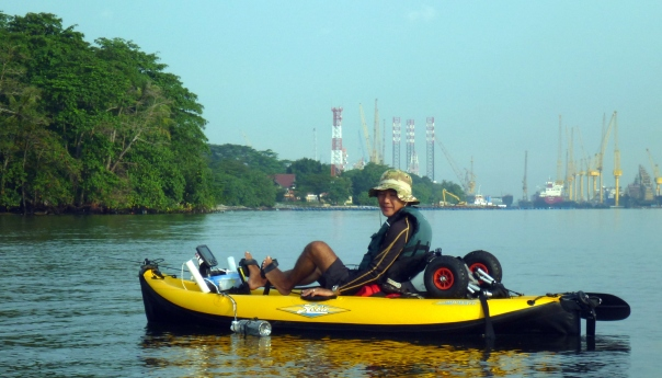 We met Robin - a kayak fisherman in his very cool inflatable kayak. It was peddle powered and he even had an electronic fish finder.
