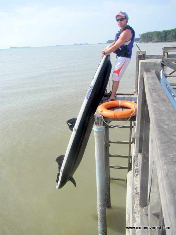 Launching the Divorce Machine from the jetty was a small challenge as the tide was so low. Lucky she is lightweight.