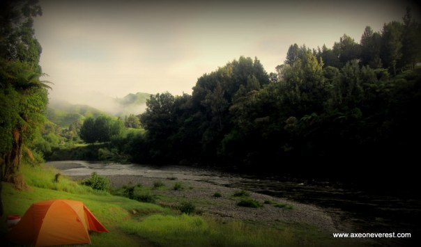 Campsite 'Poukaria' on the banks of the Whanganui river.