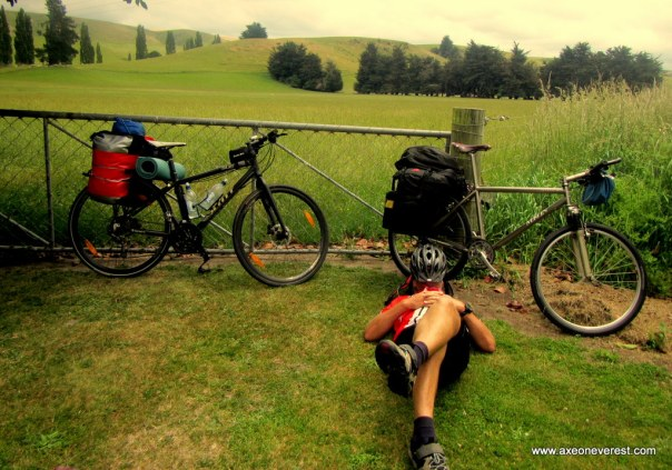 Alan Silva enjoys a rest break on the cycle south.