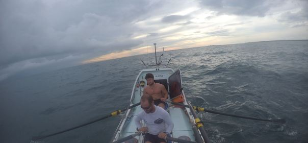 Rowing two-up to reach Darwin
